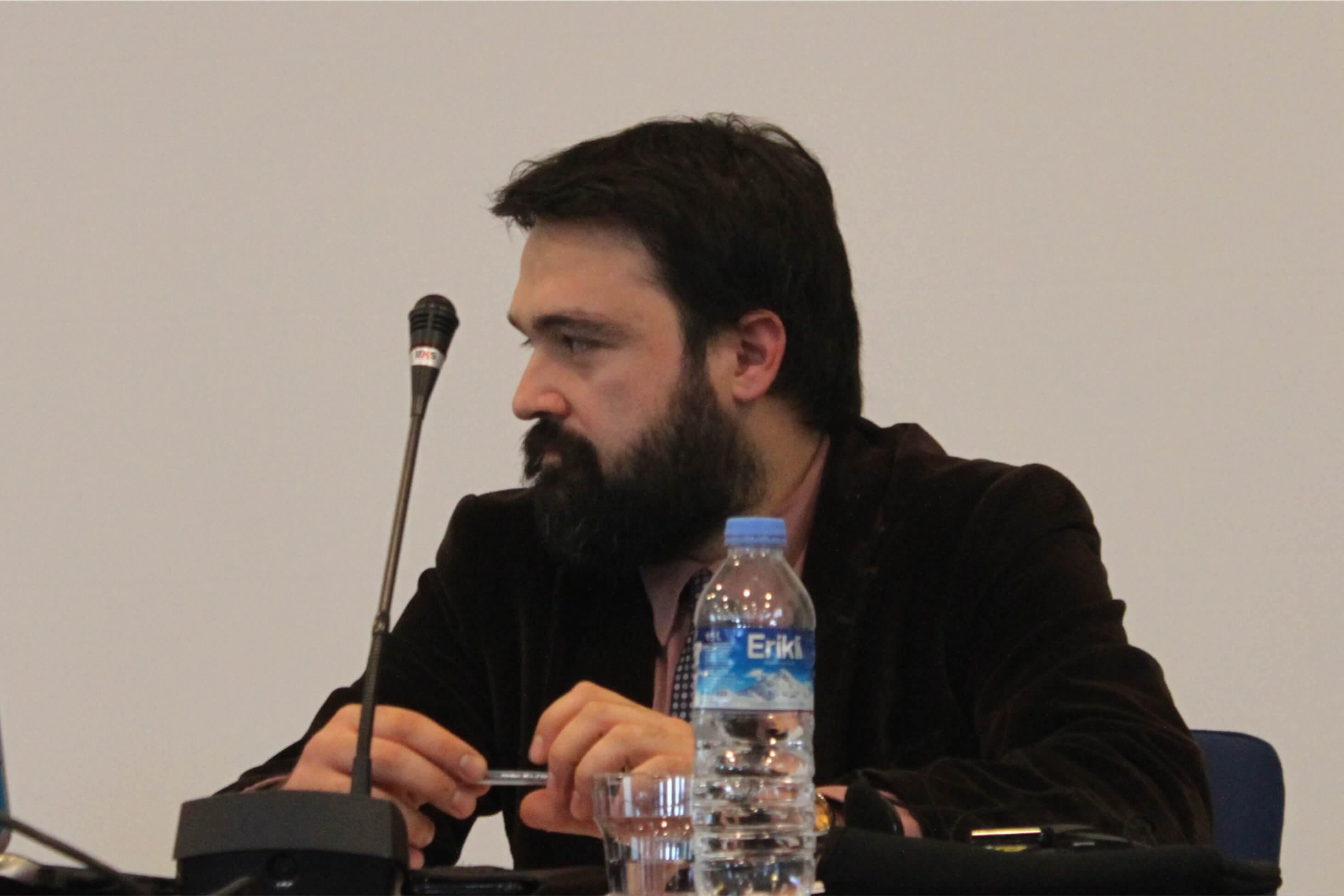 Marmara Üniversitesi Öğretim Üyesi Tolga Şirin TCK 216(3) hükmünün mahkemelerce uygulanması üzerine bir sunum yaptı.